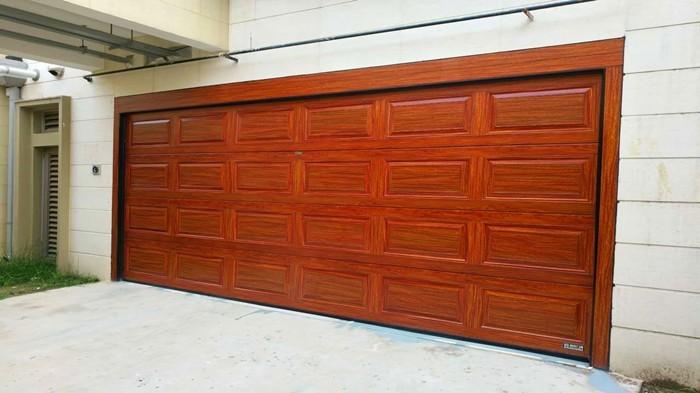 铜辉门窗教您购买车库门时需要考虑的5个要素