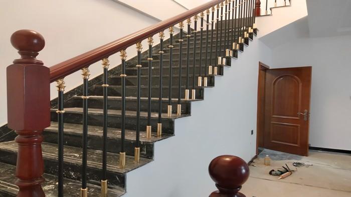 铜辉门窗|姜村楼梯扶手安装
