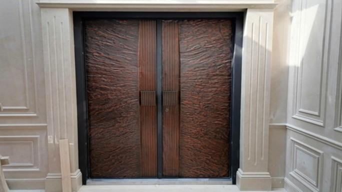铜辉门窗|中粮瑞府铸铝门安装