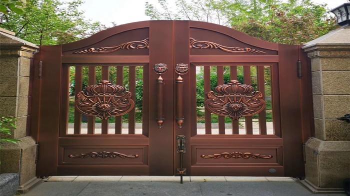 铜辉门窗|九号公馆庭院门安装
