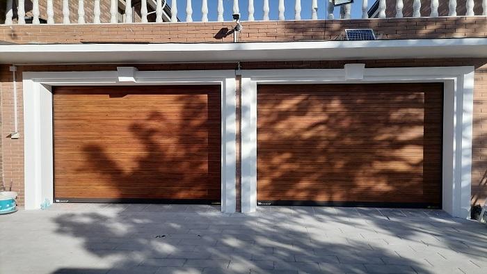 【铜辉门窗】文化园客户选用天安门同款智能车库门安装