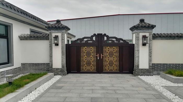 铜辉门窗|北京飞羽羽毛球馆庭院门安装