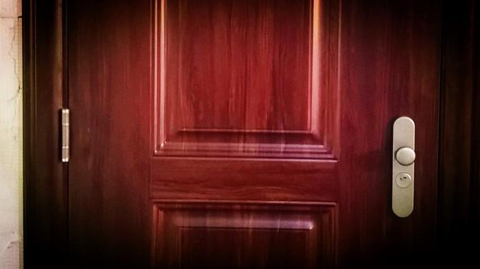 铜辉门窗|九号公馆铜门安装