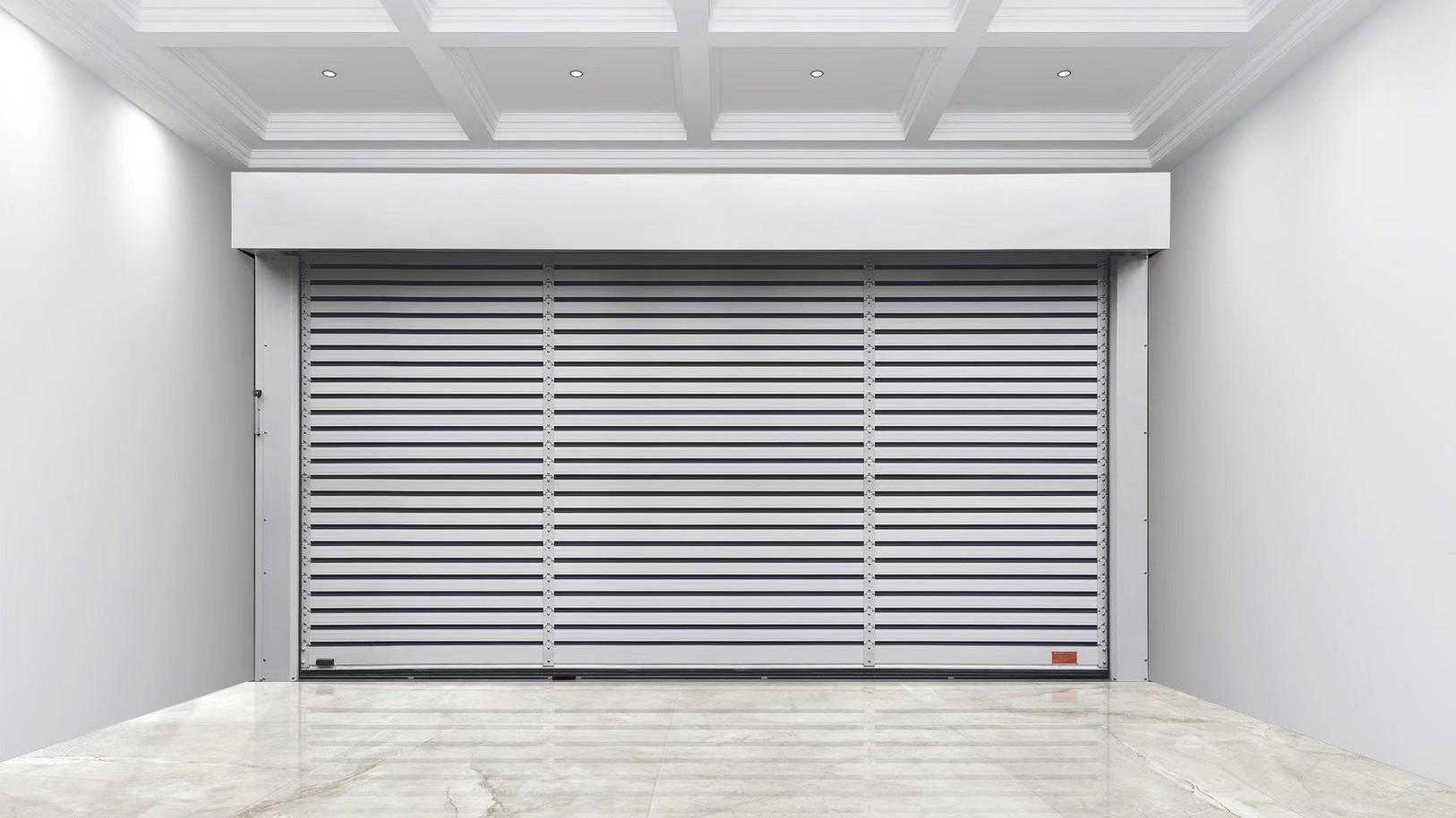 铜辉门窗和您分享快速卷帘门的优点