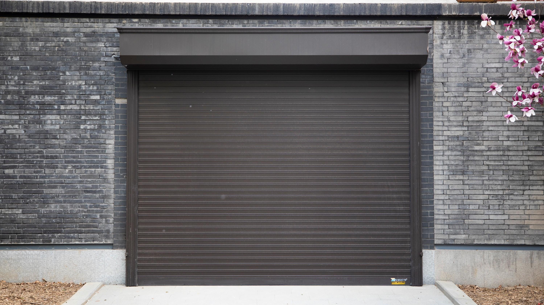 智能车库门的电机尤为重要,铜辉门窗带您来了解