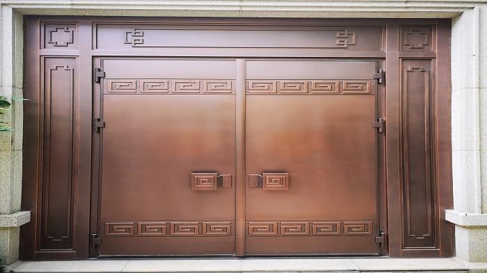 铜辉门窗简单对铜门的发展趋势及市场需要分析