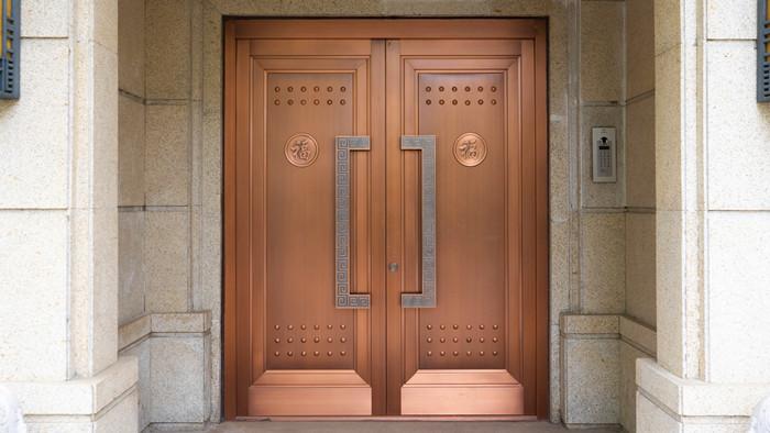 铜辉门窗|尚院铜门产品安装