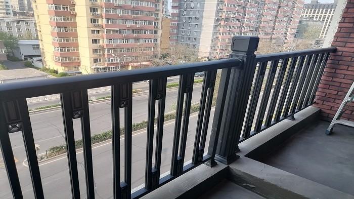 铜辉门窗|西城区新康街甲1号院围栏安装